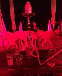Shisha-Rauchen im Rotlicht (Quelle: ruti)