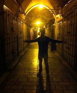 """Die dunklen Gassen der """"Old City"""" haben auch nachts ihren Charme. (Quelle: ruti)"""