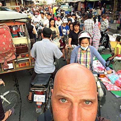Das ganze normale Chaos auf den Straßen Phnom Penhs. (Foto: ruti)