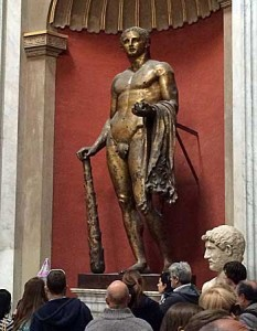 Der Herkules - deutlich zu erkennen an seinen typischen Attributen, dem Löwenfell und der Keule. (Foto: ruti)