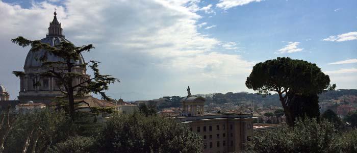 Blick auf den Petersdom und Rom (Foto: ruti)