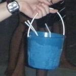 Alkohol-Eimer mit Wodka-Red-Bull auf Koh Phi Phi (Quelle: ruti)