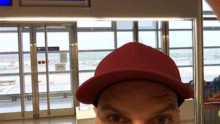 Ruti am Flughafen Frankfurt (Foto: Ruti)