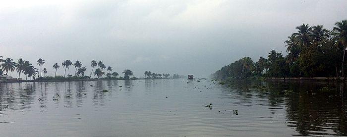 Die faszinierenden Backwaters in Kerala sind ein Touristenmagnet in Südindien. (Foto: Ruti)