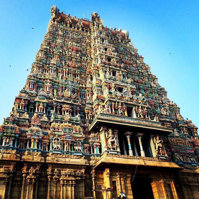 Einer der zwölf Gopurams des Sri-Minakshi-Sundareshwara-Tempels in Madurai. (Foto: ruti)