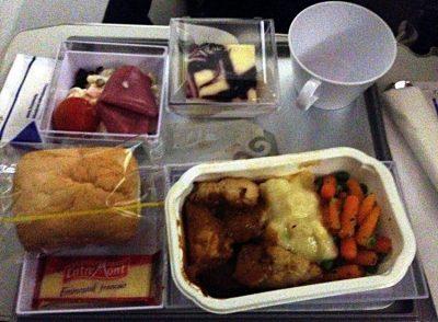 Verpflegung auf dem Flug von Frankfurt nach Astana (Foto: ruti)