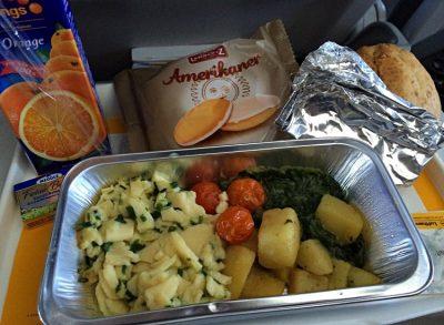 Bordverpflegung bei der Lufthansa (Foto: ruti)