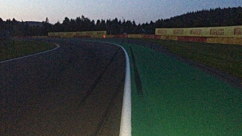 Etwas körnig, aber das ist die Blanchimont - inklusive der Bremsspuren von Daniel de Jong. (Foto: ruti)