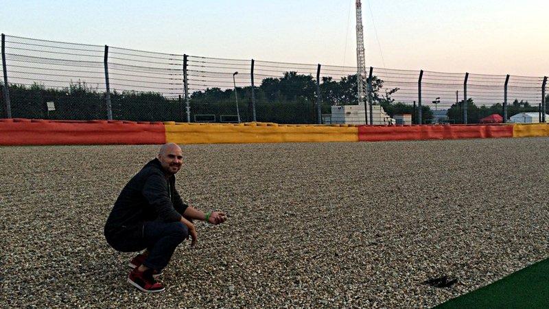 Ruti im Kiesbett auf der Formel-1-Strecke in Spa (Foto: ruti)
