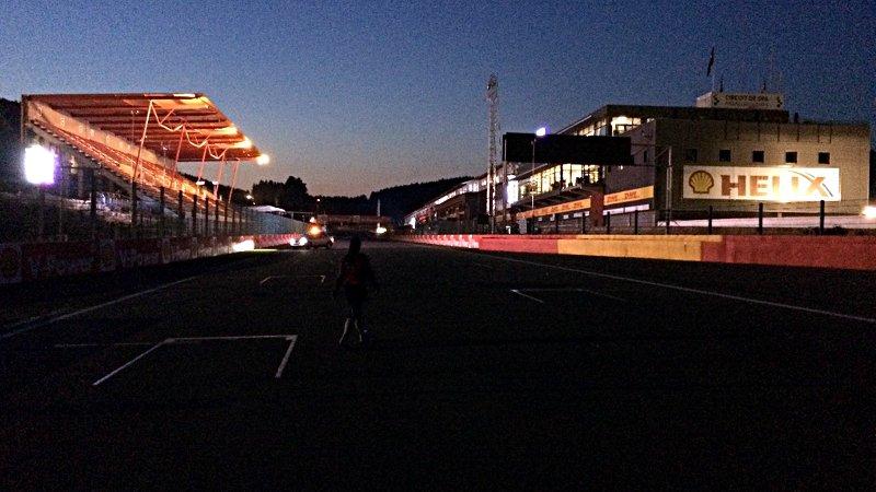 Als ich die Strecke in Spa umrundet hatte, war es bereits dunkel. (Foto: ruti)