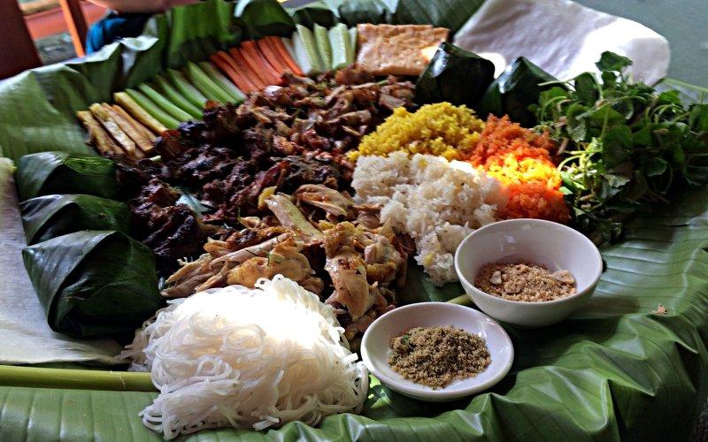 Yummy: Frühlingsrollen zum Selbermachen in Vietnam (Foto: Ruti)
