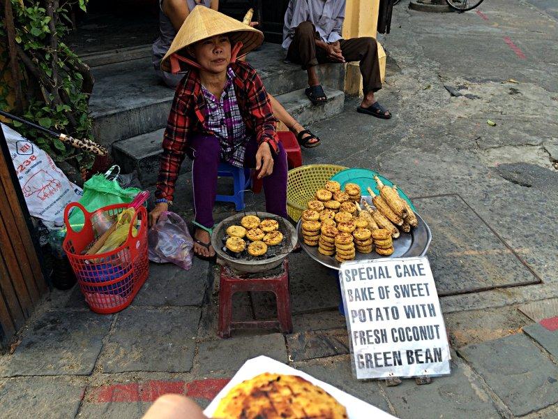 Auch diese Kekse aus Kartoffeln, grünen Bohnen und Kokosnuss schmeckt lecker. (Foto: Ruti)
