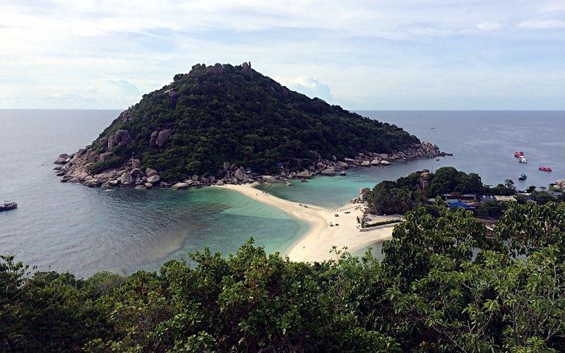 Wenn man in Thailand auf Koh Tao weilt, ist ein Abstecher nach Koh Nang Yuan nicht weit. (Foto: Ruti)