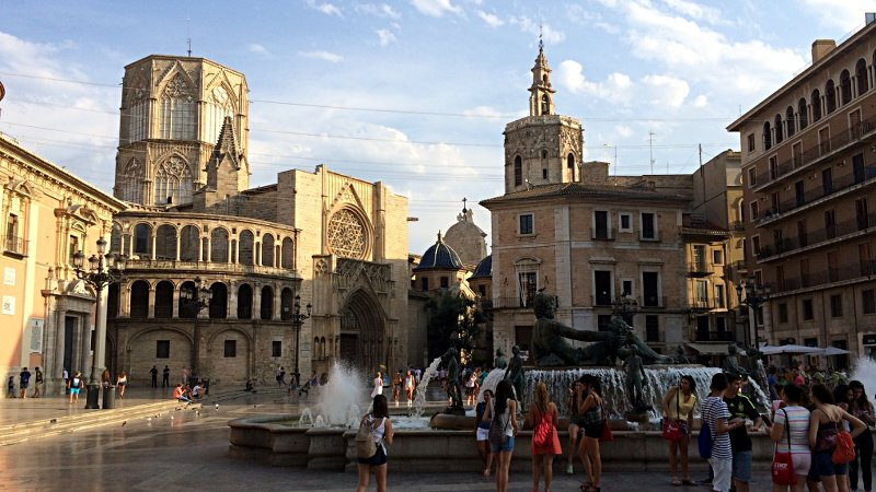 Plaza de la Virgen, der Platz der heiligen Jungfrau, in Valencia (Foto: Ruti)