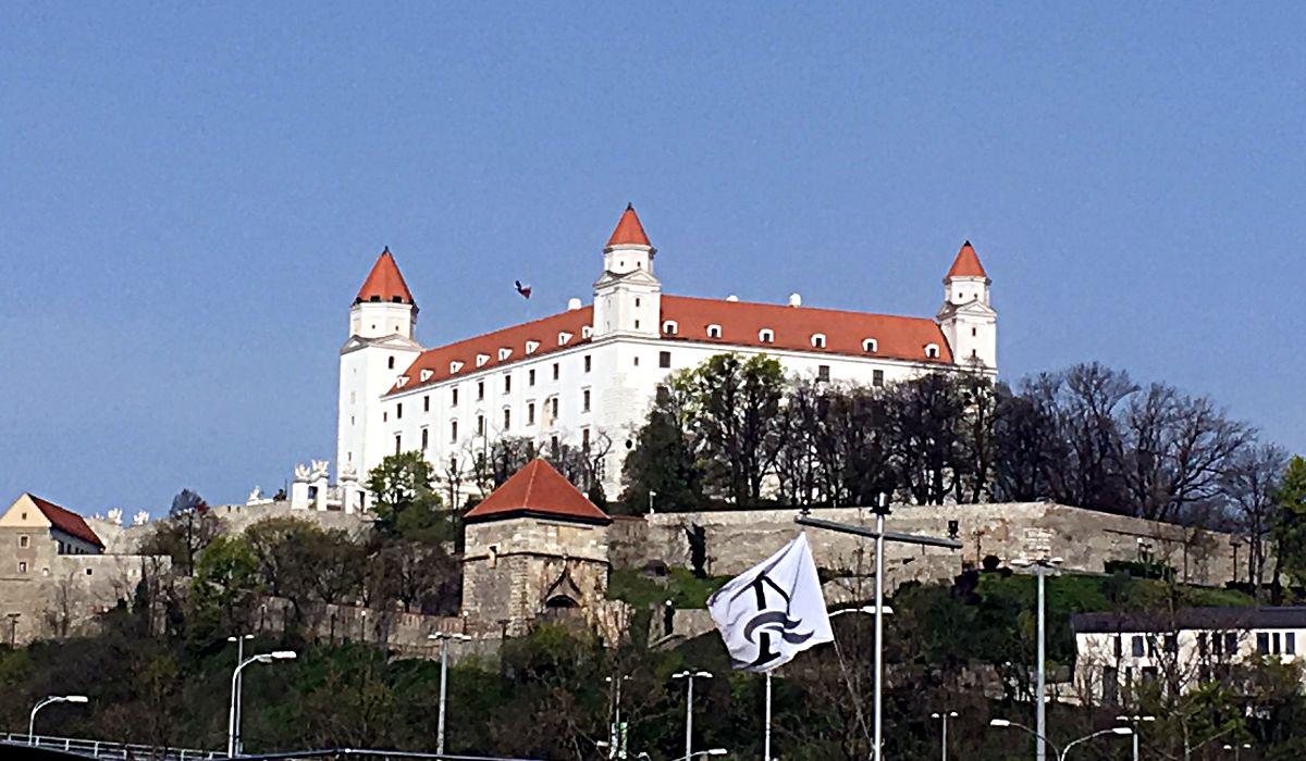 Bratislavas berühmtestes Bauwerk ist die Burg, die ich schon vom weiten sehen konnte, als ich über die Donau in die Stadt fuhr. (Foto: Ruti)
