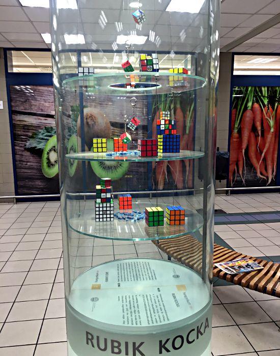 Der Rubik-Würfel kommt aus Ungarn und ist benannt nach seinem Erfinder Ernö Rubik, der noch in Budapest auf dem Schlossberg lebt. (Foto: Ruti)