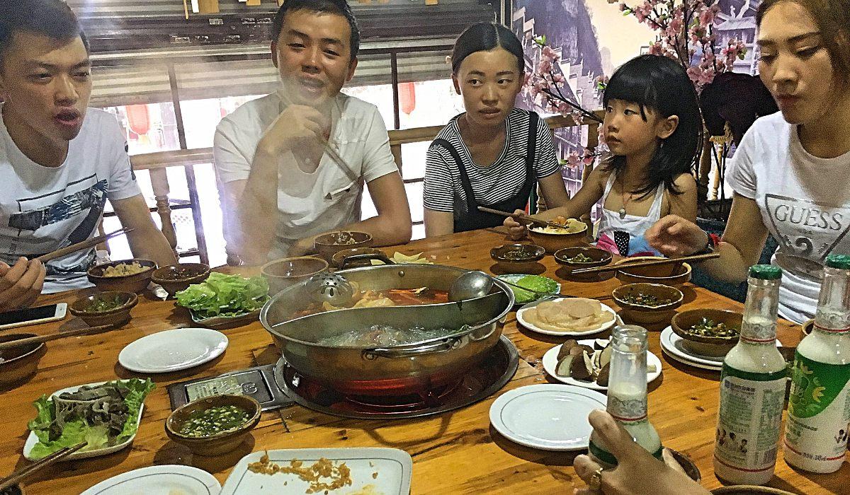 Essen gabs oft und reichlich bei einen chinesischen Freunden. (Foto: ruti)