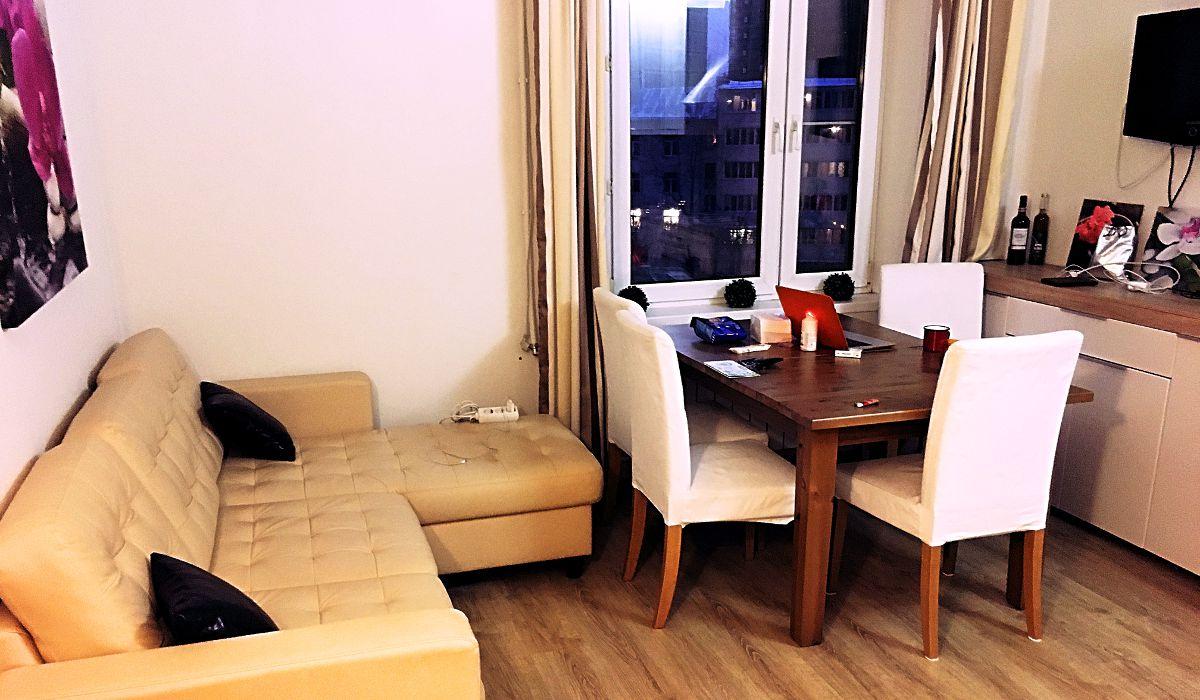 Das Wohnzimmer meiner Wohnung in Moskau.