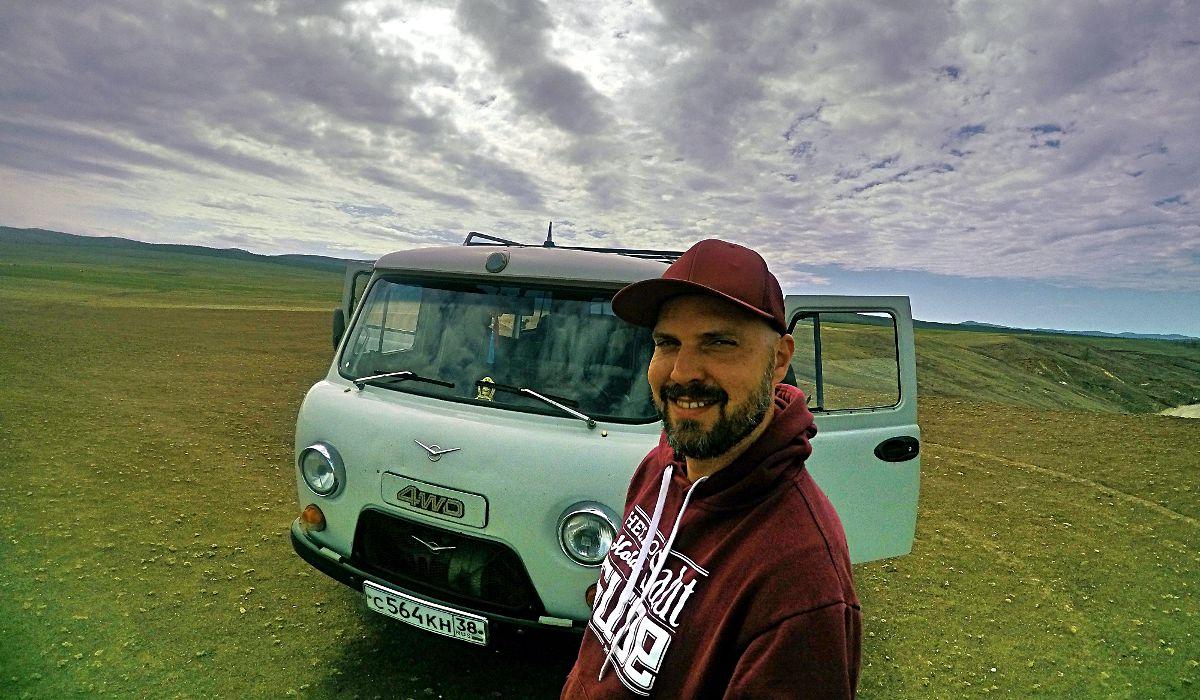 Diese Sowjet-Militär-Busse der Marke UAZ können alle Geländearten. Sie brachten mich über die Insel Olchon am Baikalsee und durch die Mongolei und durchquerten dabei manchmal auch Flüsse. (Foto: Ruti)