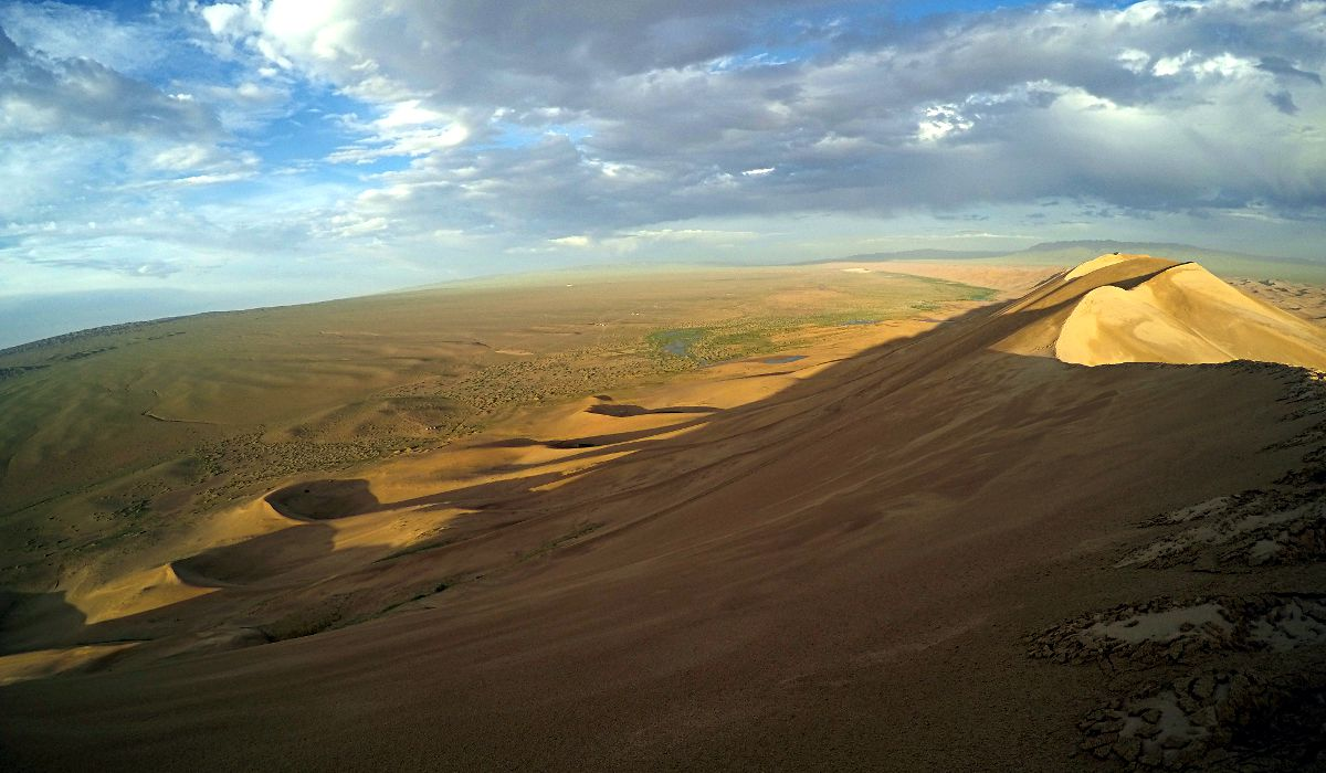 Blick zurück dahin, wo wir herkamen. Mongolei 2016 (Foto: Ruti)