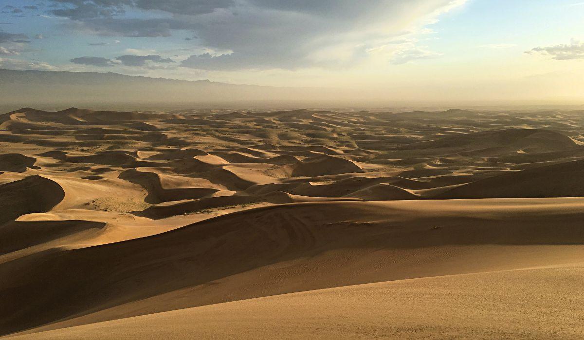 Da liegt sie vor uns, die Wüste Gobi. (Foto: ruti)