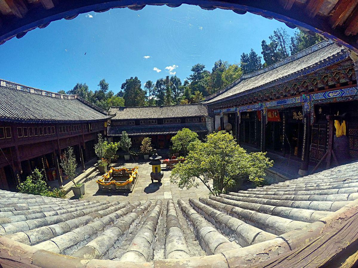 Das war der Blick aus meinem bescheidenen Zimmer im Wu Wei Tempel in China. (Foto: Ruti)