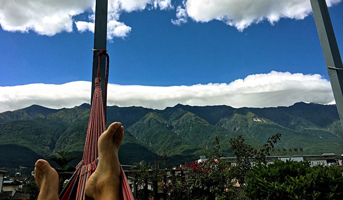 Blick zurück auf die Cangshan-Berge - ich wurde nicht erleuchtet, aber ich habe erkannt, dass das Mönchsleben nichts für mich ist. (Foto: Ruti)