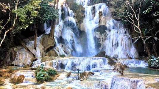Die Kuang Si Wasserfälle in Laos (Foto: Ruti)