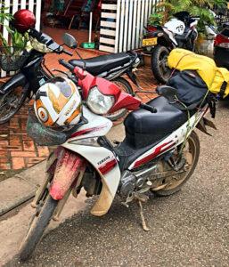 Ein wenig verdreckt, aber an einem Stück kam ich mit meiner Yamaha in Vientiane an. (Foto: Ruti)