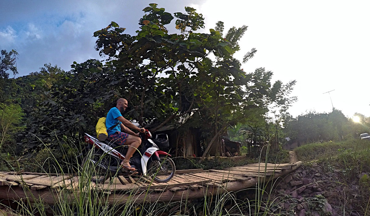Meine kleine Yamaha leistete mir hervorragende Dienste auf meiner Tour durch Laos. (Foto: Ruti).