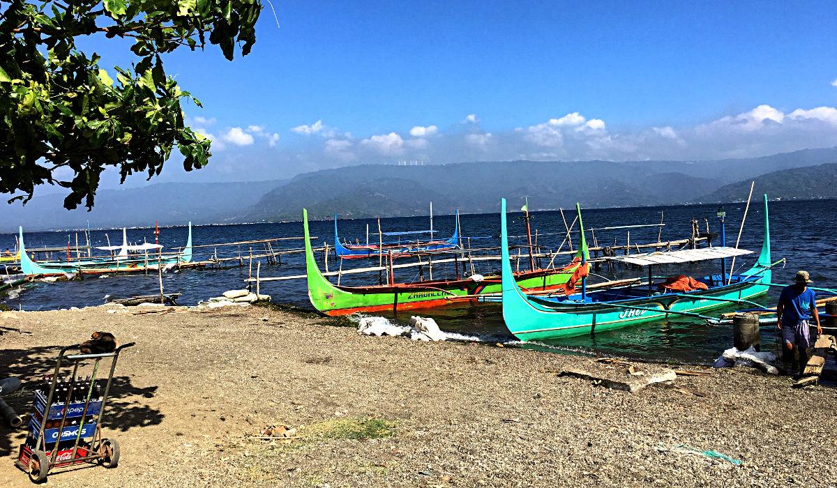 Mit so einem Boot fuhr ich über den Taal See. (Foto: Ruti)