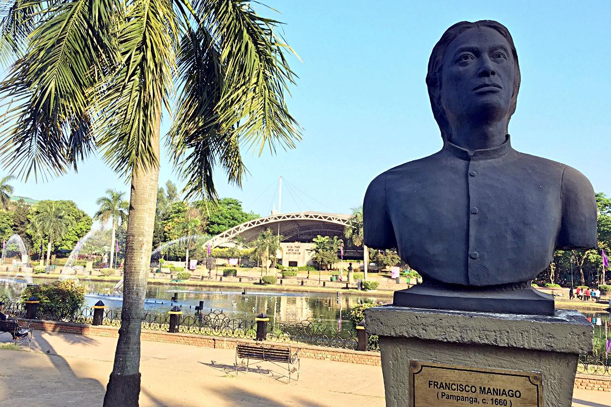 Im Rizal-Park befindet sich auch eine Helden-Galerie. (Foto: Ruti)