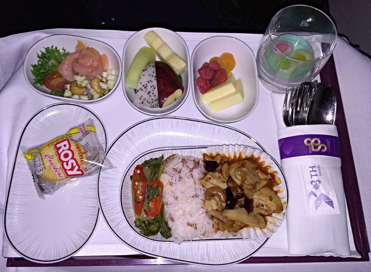 Thai Airways Essen von Manila nach Bangkok