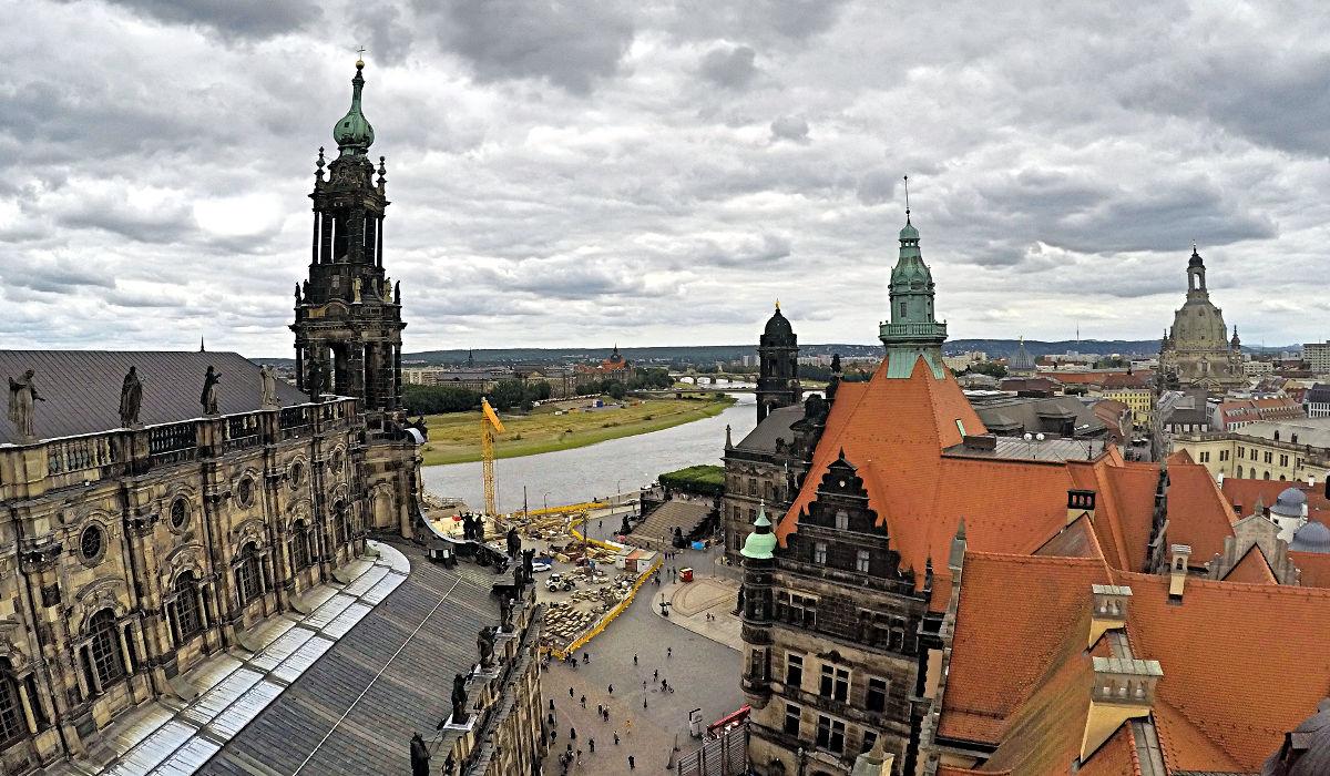 Die historische Altstadt Dresdens liegt direkt an der Elbe. (Foto: Ruti)