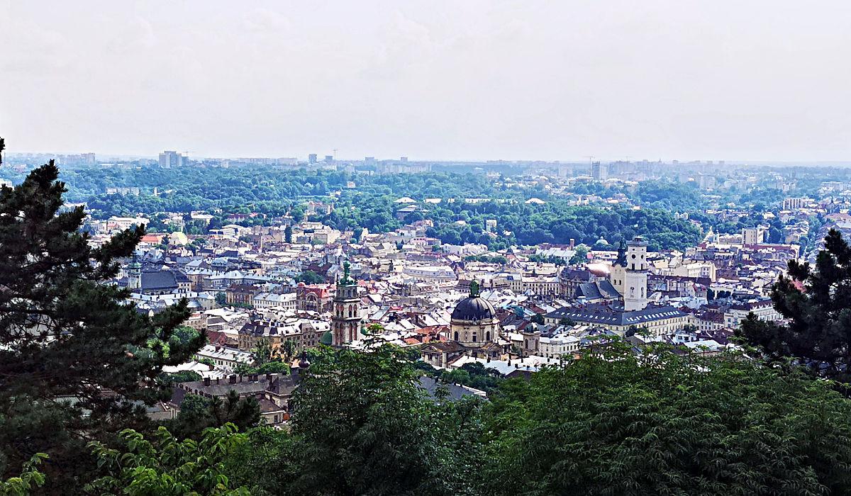 """Blick vom """"Lehmberg"""" auf die Stadt Lwiw. (Foto: Ruti)"""
