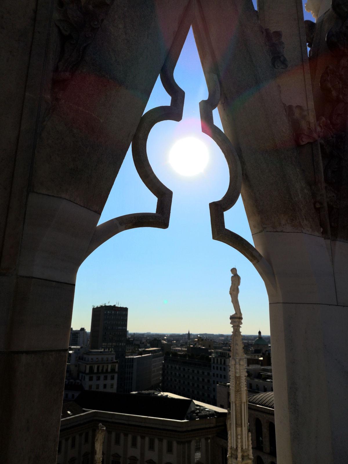 Frei nach den Stieber-Twins: Mit dem Blick durch Fenster vom Dom. (Foto: Ruti)