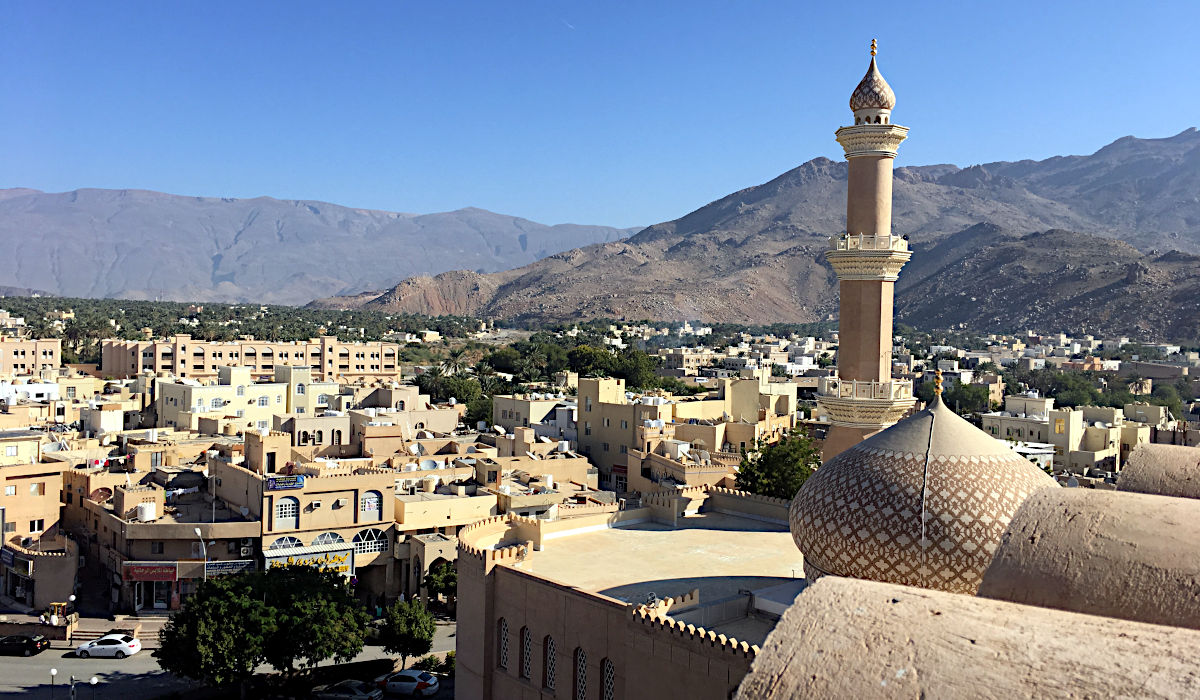 So stellt man sich Arabien vor - die Stadt Nizwa. (Foto: Ruti)
