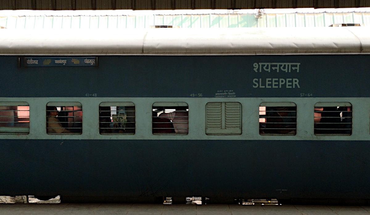 Wie ich auf einer Zugreise in Indien einem Fremden ins Essen kotzte