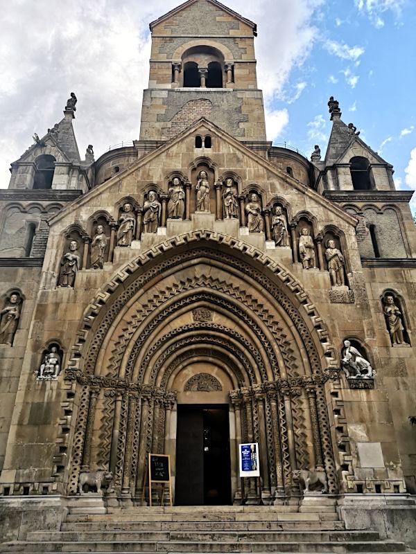 Die Kapelle in der Vajdahunyad-Burg Budapests (Foto: Ruti)