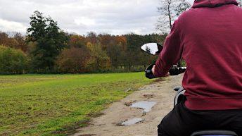 Auf dem Motorrad zu neuen Abenteuern... (Foto: Ruti)