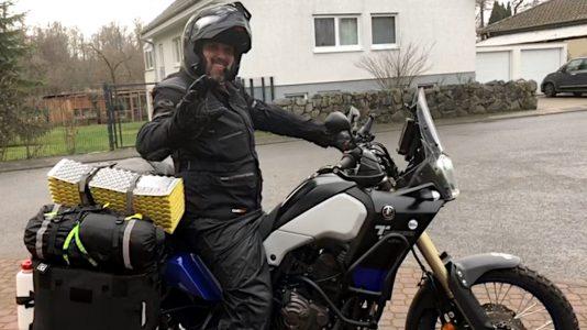 Es geht los. Ich starte mit meiner Yamaha Ténéré 700 namens Luzy in meine erste große Motorrad-Reise. (Foto: Ruti)