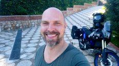 In Fuengirola bringe ich meine Yamaha T7 namens Luzy zur Inspektion. (Foto: Ruti)