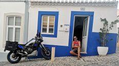 Die Algarve hat die gleiche Farbe wie meine Ténéré. (Foto: Ruti)