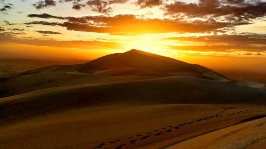 Sonnenuntergang in der Wüste Gobi - Mongolei (Foto: Ruti)