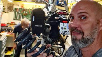 Ich besuche Werner Willimann in der Schweiz, um meine Motorrad auseinanderzunehmen. (Foto: Ruti)