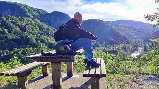 Blick von den Bergen hinab nach Kroatien (Foto: Ruti)