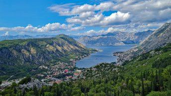 Montenegro hat eine unglaublich schöne Küste und die Berge so nah. (Foto: Ruti)