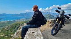 Meine defekte Bremse zwingt mich zu Urlaub im wunderschönen Montenegro. (Foto: Ruti)